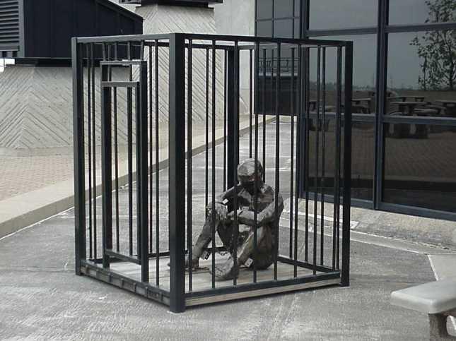 gabbia dell'esistenza